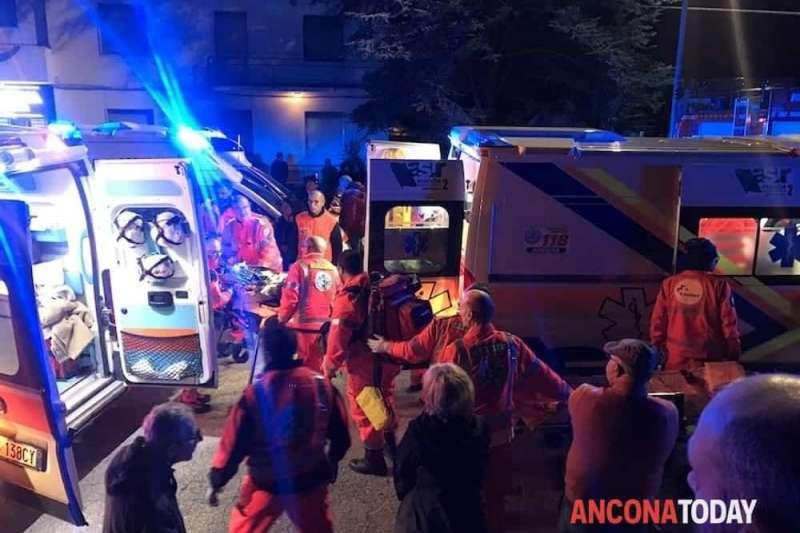 2018年12月8日,義大利東部小鎮科里納多一家夜店8日凌晨驚傳嚴重踩踏事故(AP)