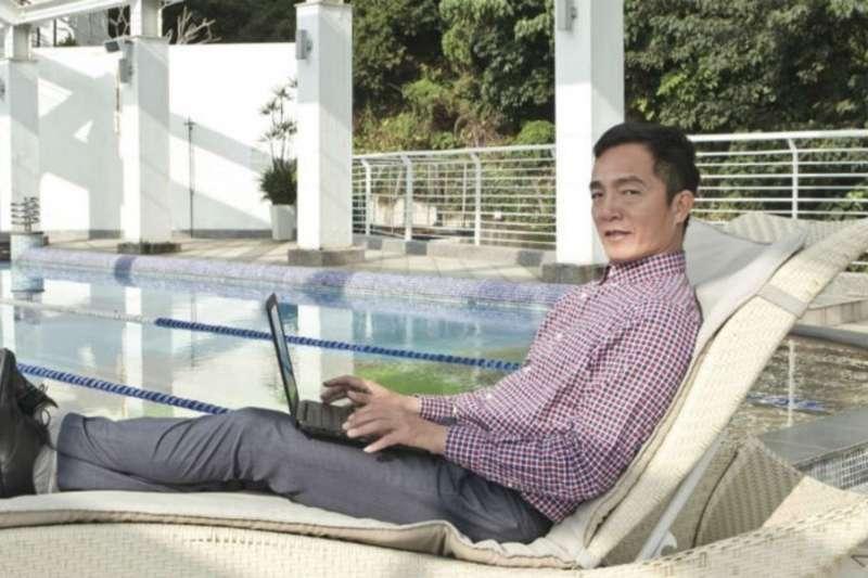 從工程師到暢銷養生書籍作家,到旅遊節目主持人,林英權把人生過得豐富精采。(圖/陳俊松攝)