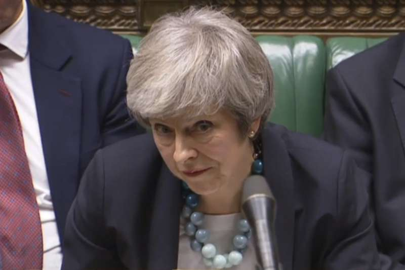 脫歐、留歐,英國面臨十字路口,首相梅伊遭到重大挫敗(AP)