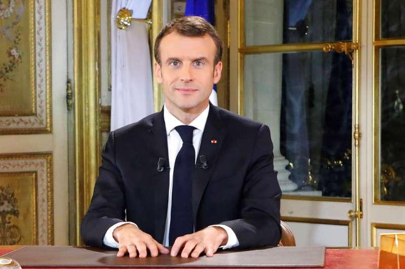 法國總統馬克宏13日發表「告法國國民書」。(美聯社)