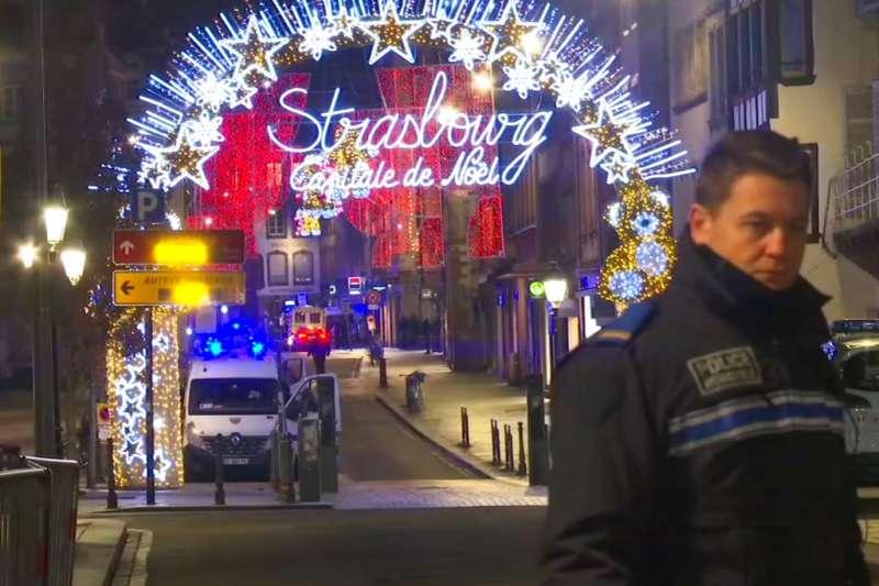 法國東部大城史特拉斯堡的耶誕市集遭一名槍手襲擊。(美聯社)