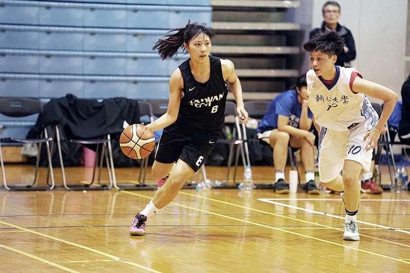 107學年度UBA大專籃球聯賽女子組預賽,台科大以7分之差擊敗輔仁大學,拿下本季首勝。(大專體總提供)