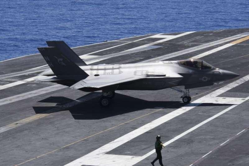 美國海軍2018年8月20日在航母上測試F-35C。(美國海軍官網)