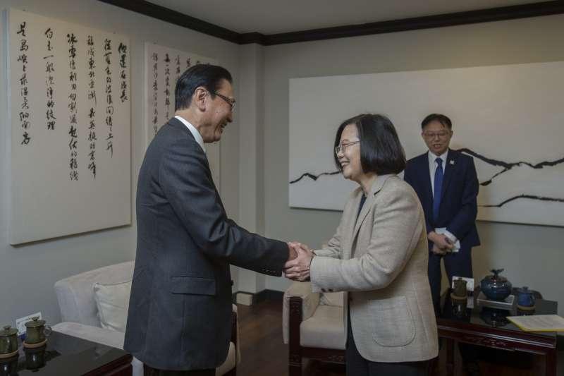 總統蔡英文接見日華懇會長古屋圭司眾議員等人。(總統府提供)