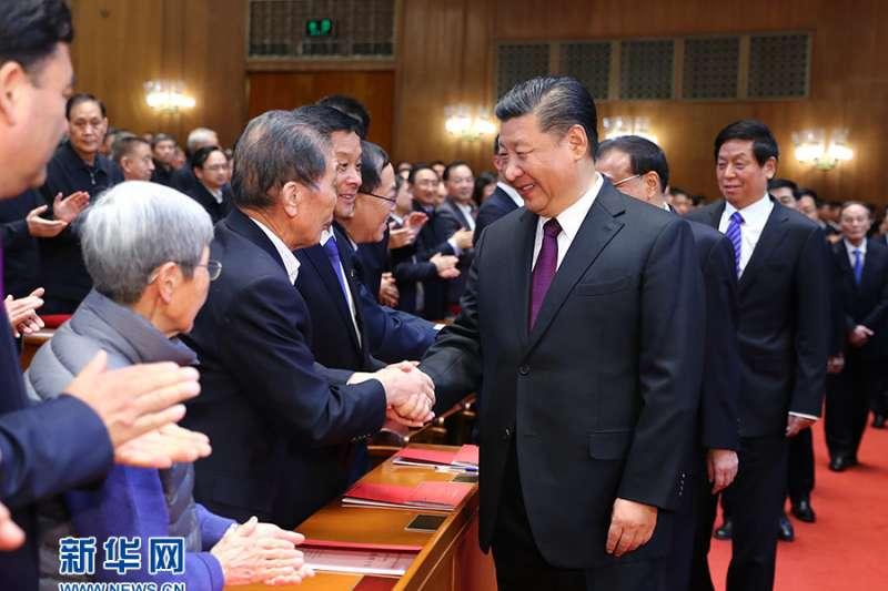 2018年12月12月14日,中國慶祝改革開放40週年文藝晚會《我們的四十年》在北京人民大會堂舉行。(新華社)