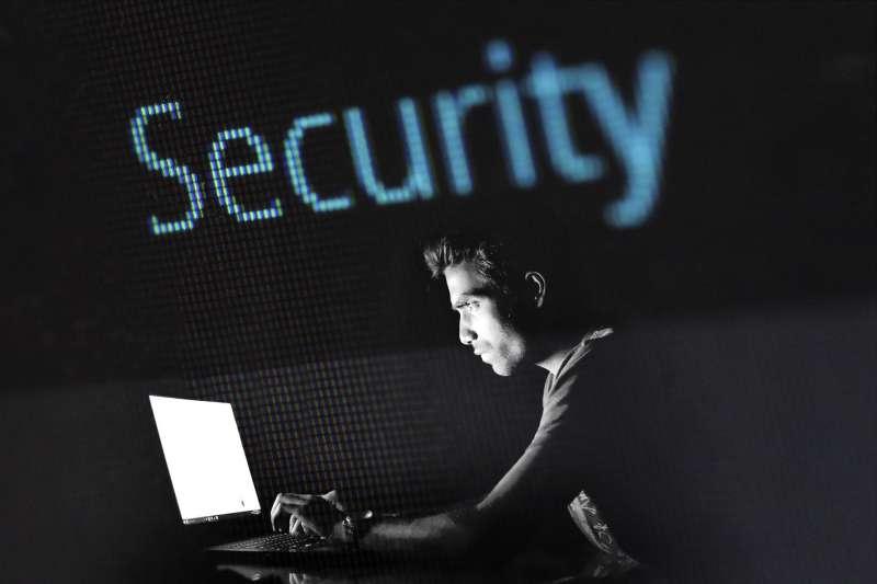 你的密碼有安全性嗎?快來看看你是不是也用了蠢密碼!(圖/Pixabay)