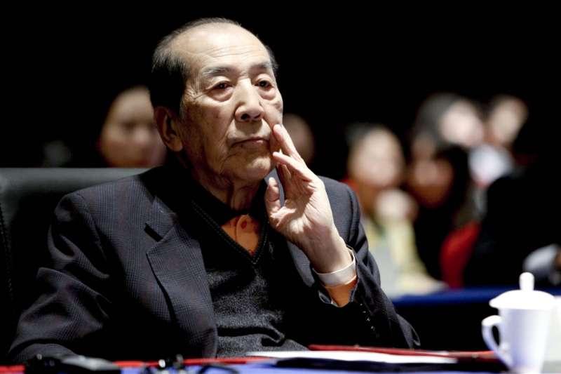 前中國國務院發言人袁木13日病逝北京。