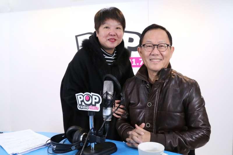 前立委丁守中接受《POP搶先爆》主持人黃光芹專訪。(《POP搶先爆》提供)
