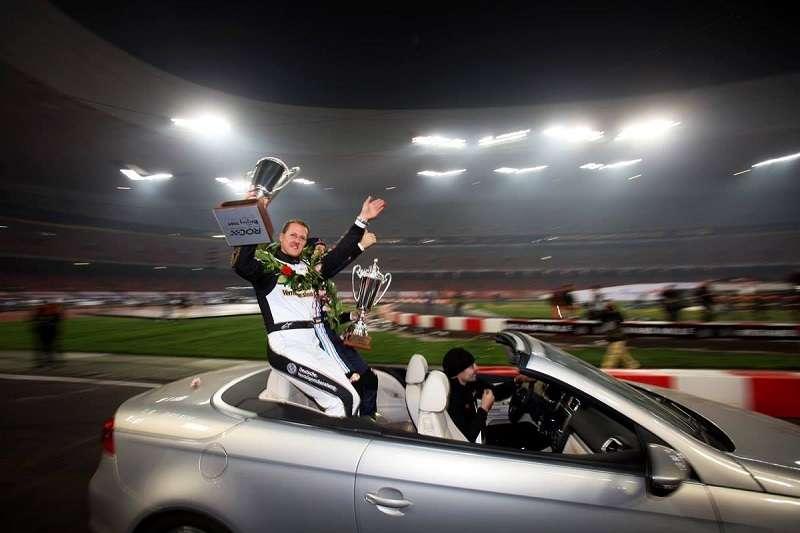 根據英國《每日郵報》報導,F1「車神」舒馬赫已經甦醒,也已經不需要終日臥床。 (圖片取自舒馬赫臉書)