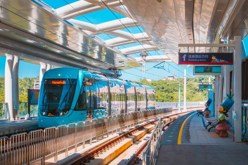 外傳淡海輕軌列車的ATP經常一起步就會急煞、鎖死,對此,新北市捷運公司今(22)日召開記者會嚴正否認。(取自新北大眾捷運股份有限公司網站)