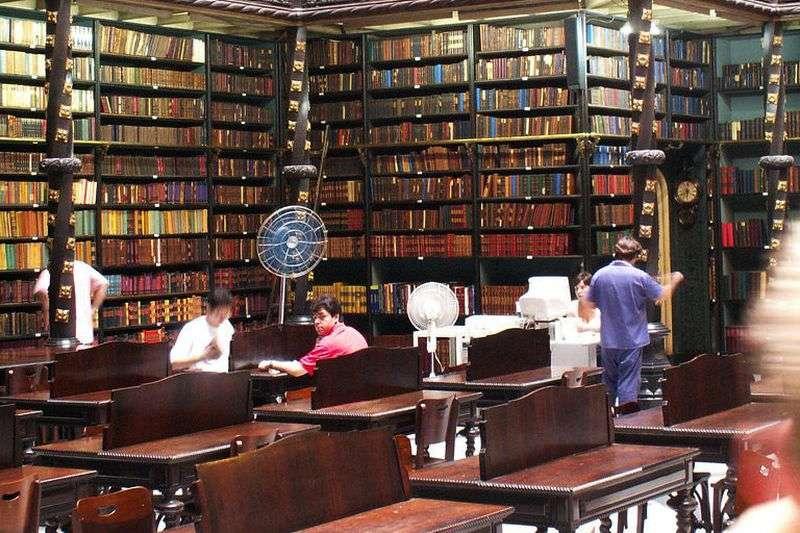 巴西皇家葡文圖書館(uwephilly@Wikipedia / CC BY-SA 2.0)