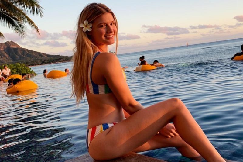 女網漂亮寶貝布夏泳裝照,引起大都會雷神注意。 (圖片擷取至布夏個人IG)