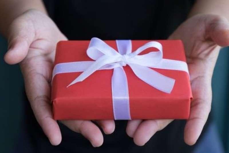 把基因測試組拿來當聖誕禮物,膽子真的要夠大!(圖/BBC中文網)