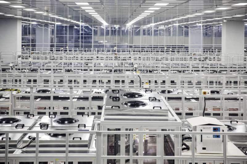 京東方也是蘋果供應商之一,未來或為 iPhone 提供 OLED 屏幕。(圖/愛范兒ifanr)
