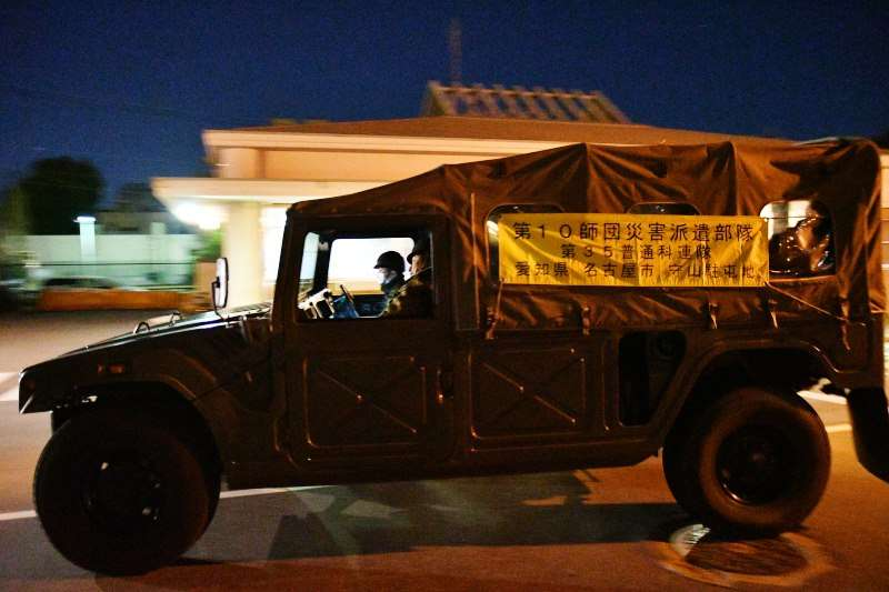 日本陸上自衛隊第10師團25日凌晨集結,準備前往豬瘟疫區撲殺豬隻。(第10師團官網)