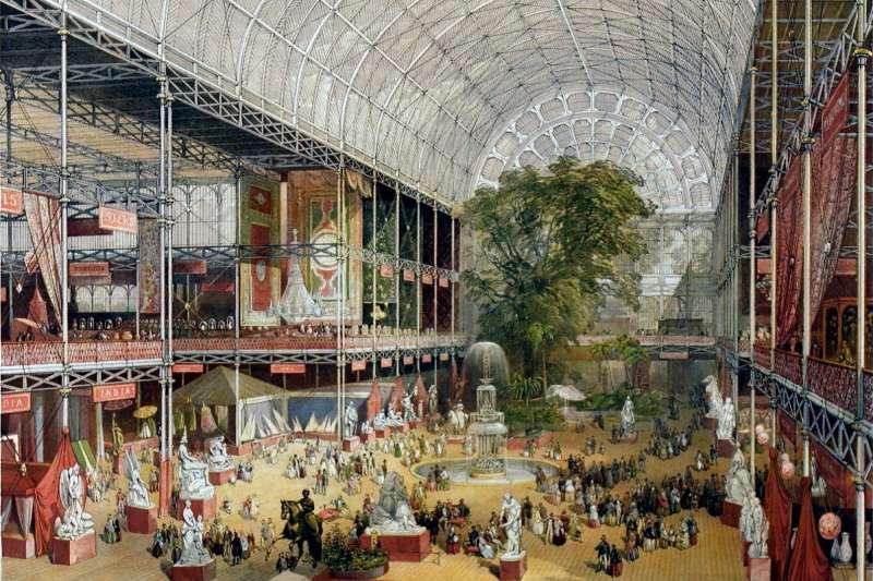 維多利亞時代普遍被視為英國的鼎盛時期,但過於嚴格的社會風氣,使人民易拘於形式。圖為1851年萬國工業博覽會。(取自維基百科)