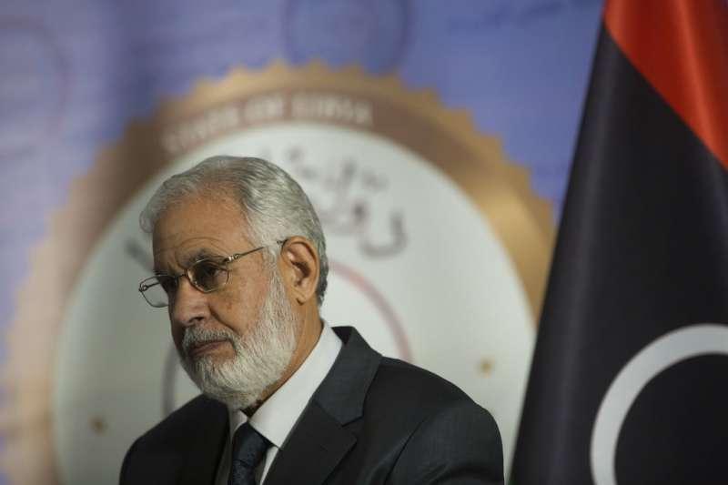 2018年12月25日,利比亞外交部長夏拉(Taher Siala)說明外交部恐怖攻擊案。(AP)