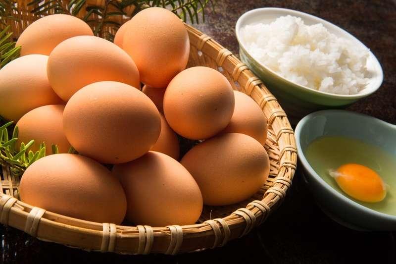 腎虛用藥,吃生雞蛋不衛生?蛋吃太多膽固醇會飆高?這3個長年迷思,幫你一次搞清楚!
