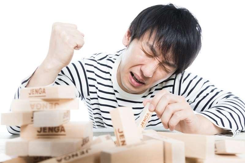 職場上討人厭的同事,總讓人氣得牙癢癢,到底該怎麼辦?(圖/pakutaso)