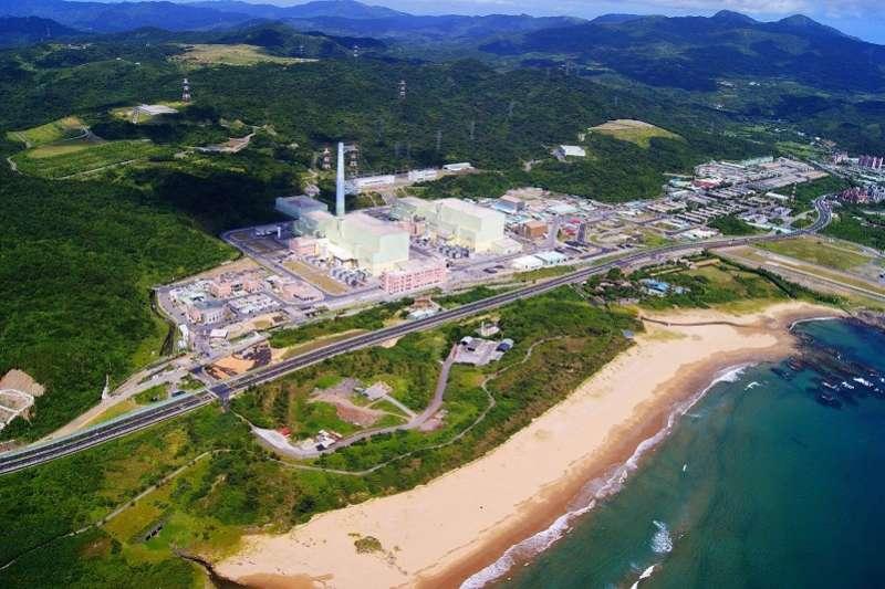 公投第16案「以核養綠」通過,立法院院會今(7)日三讀修正通過《電業法》第,通過刪除「核能發電設備應於中華民國114年以前,全部停止運轉」的條文。圖為核四廠(資料照,王伯輝提供)