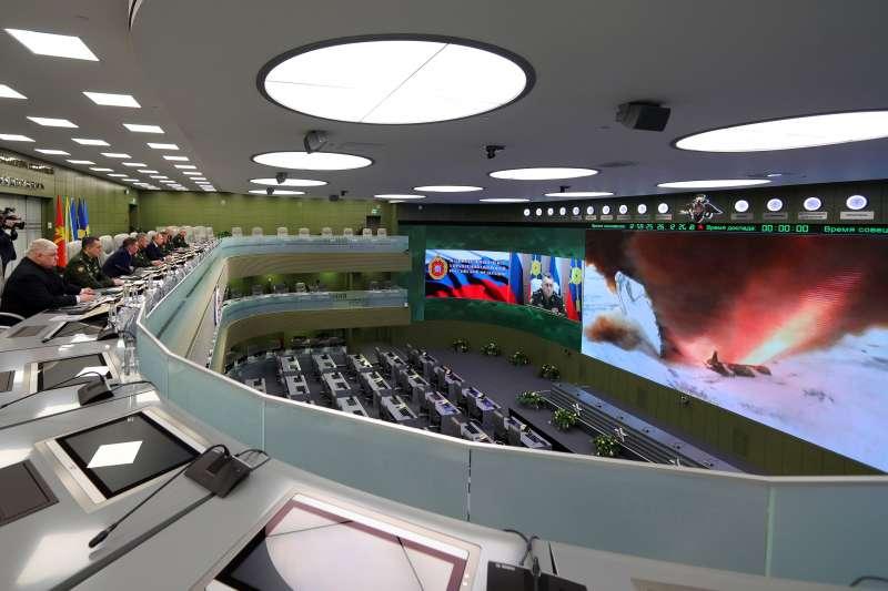 2018年12月26日,俄羅斯總統普京宣布軍方已經試射成功一種可以搭載核彈的超高音速滑翔機「先鋒」(AP)