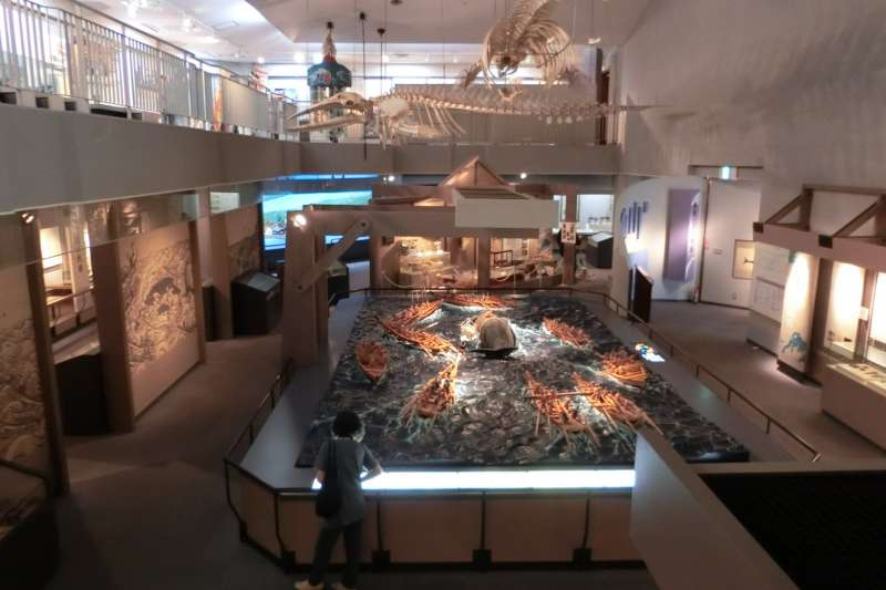 生月町博物館的古時捕鯨情境模型。(生月町博物館官網)