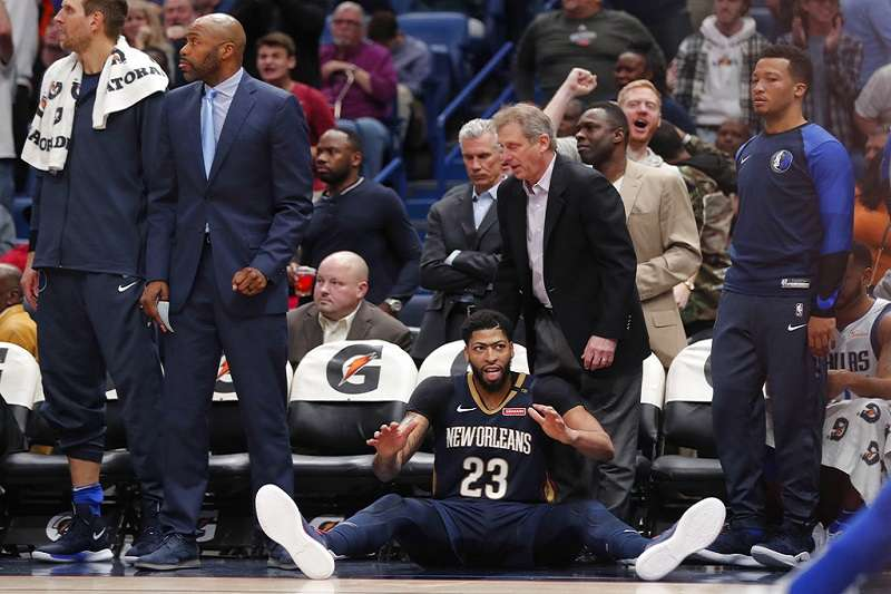 戴維斯打滿下半場,造就生涯第9次至少45分、15籃板。 (美聯社)