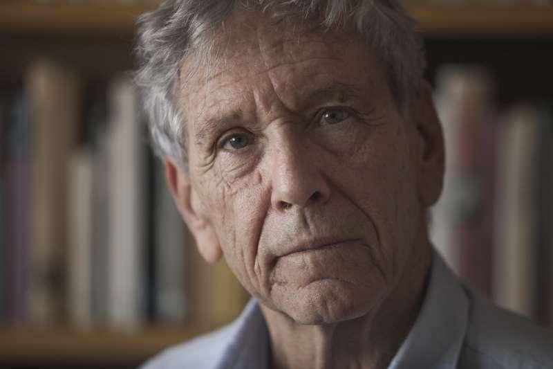 以色列國寶級作家奧茲2018年12月28日癌症病逝,享壽79歲(美聯社)