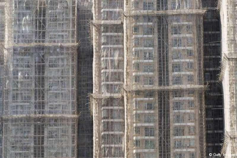 香港的房價扶搖直上,報導指中等收入家庭也要18年不吃不喝才賣得起一套房。(德國之聲)