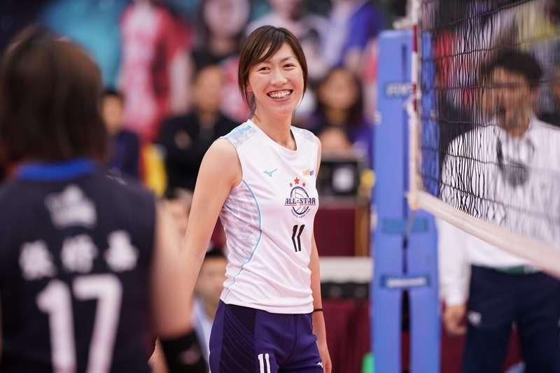 企業十四年甲級男女排球聯賽的首屆明星賽於台北體育館火熱開打,女排項目更出現球員、教練互換身分的有趣場面。(圖/排協提供)