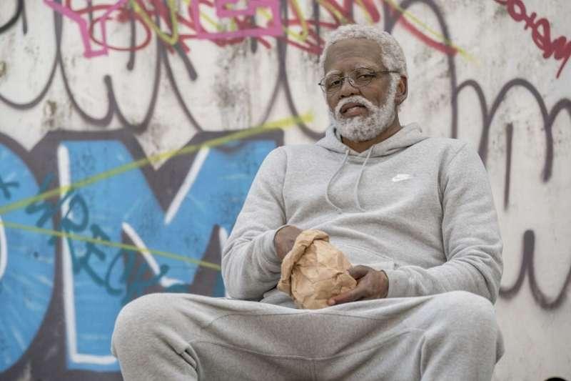 厄文掏出240萬美金幫助生活困苦的民眾。(美聯社)