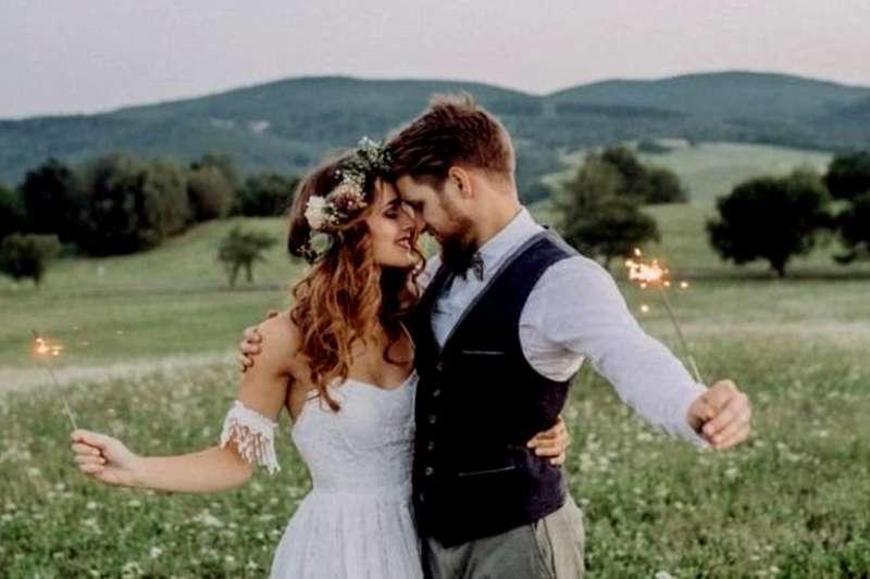 英國:婚禮舉辦場所限制繁多 改革百年舊制放飛浪漫(BBC中文網)