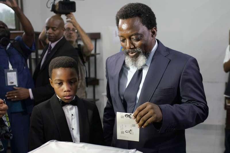 2018年12月30日,非洲剛果民主共和國舉行總統選舉,任期屆滿的總統卡比拉(Joseph Kabila)進行投票(AP)