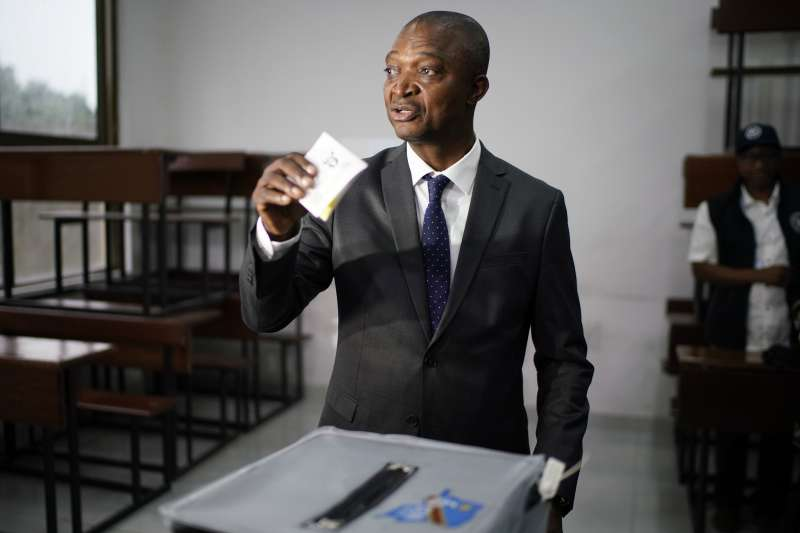 2018年12月30日,非洲剛果民主共和國舉行總統選舉,執政黨總統候選人沙達里(Emmanuel Ramazani Shadary)進行投票(AP)