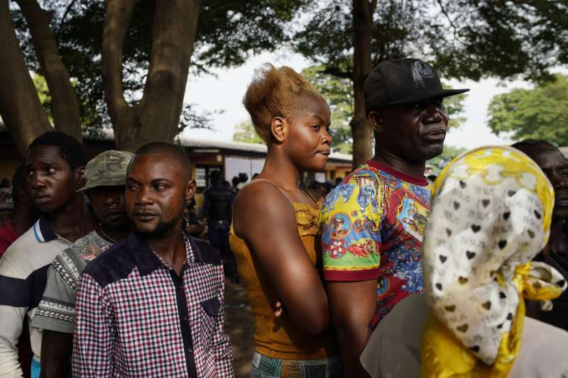 剛果民主共和國12月30日舉行總統大選投票,首都金夏沙的民眾踴躍參與(AP)