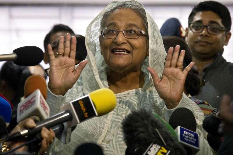 2018年12月30日,孟加拉國會選舉,「孟加拉鐵娘子」總理哈希納前往投票。(AP)