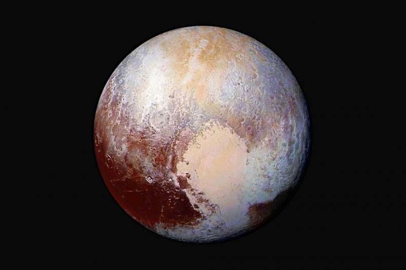2015年7月24日,美國航空暨太空總署(NASA)「新視野號」(New Horizons)太空船。飛近矮行星冥王星,拍下冥王星樣貌。(AP)