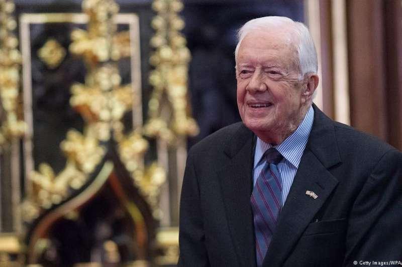 美國前總統卡特在華盛頓郵報撰文,認為當今中美有兩個敏感區域—台海和南海,任何誤判或違規都可能升級至軍事衝突,繼至觸發全球災難。(德國之聲)