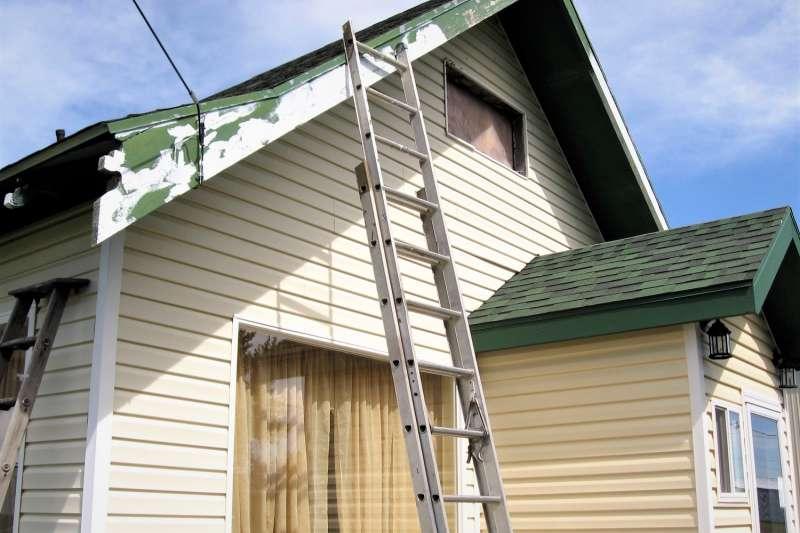 為何室內撐傘、從梯子底下穿過......在西方國家被認為是禁忌呢?(圖/Nathaniel Robertson@flickr)