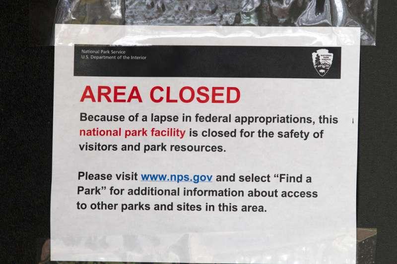 2019年1月1日,美國部分聯邦政府部門關閉,林肯紀念堂因此不開放。(AP)