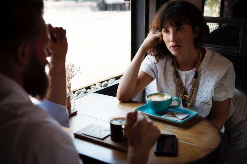 把重要的訊息放在動詞,能讓你的對話更有力、到位。(圖/取自pexels)