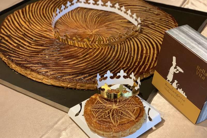 2018年世界麵包大師賽藝術麵包冠軍得主王鵬傑特製的大型國王派(簡恒宇攝)