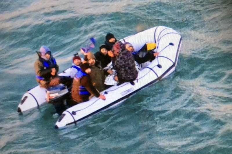 警方指出,查緝人員在查獲周男後,又於港區周邊區域加強搜索,但未發現其他人士。示意圖,非新聞當事人。(資料照,美聯社)