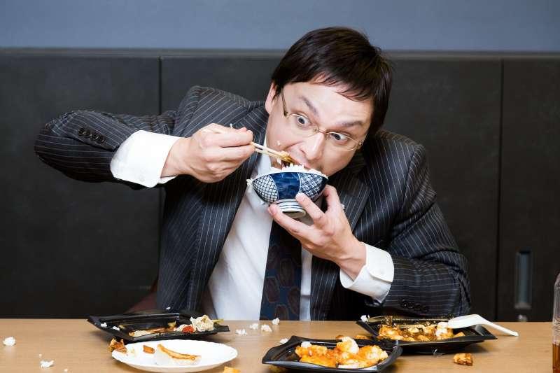 肥胖、瘦不下來全是因為脂肪惹的禍?「戒脂肪」的人腰圍卻越來越粗......(圖/すしぱく@pakutaso)