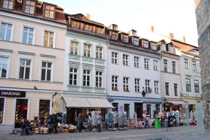 想有個家,一定要花大錢跟建商買房嗎?目前在德國新興的「合作住宅」,或許是台灣年輕人擺脫「屋奴」的解方之(示意圖/Oh-Berlin.com@flickr)