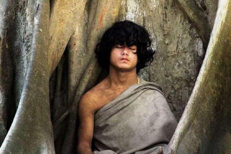 尼泊爾的「佛陀男孩」數名信徒失蹤,他因此遭到警方調查(Buddha Boy of Nepal@Facebook)