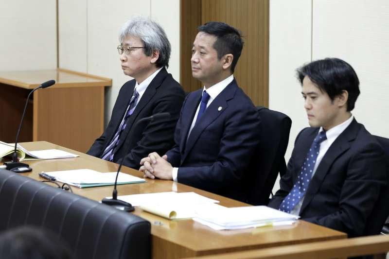 2019年1月8日東京地方法院開庭說明羈押日產前董座戈恩的理由,戈恩的律師團隊出庭。(AP)