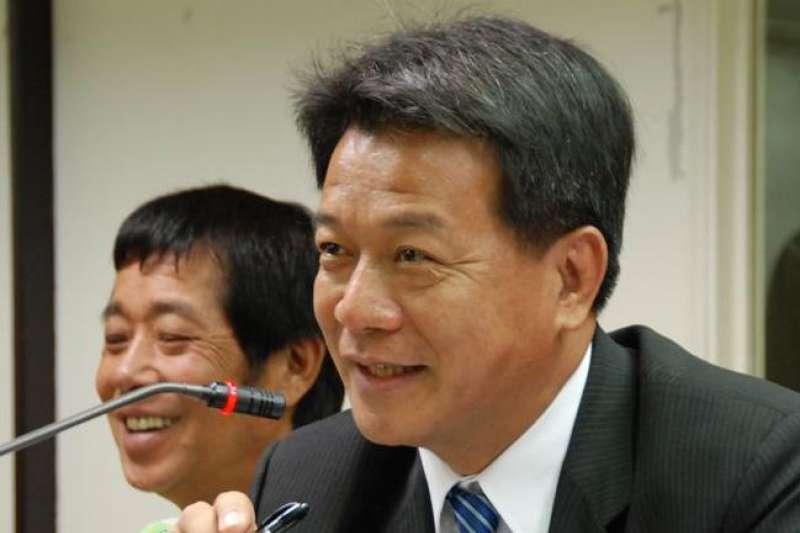 郭信良(右)退出民進黨,拿下台南市議長寶座,傳出背後是陳菊和賴清德角力。(資料照,取自郭信良臉書)