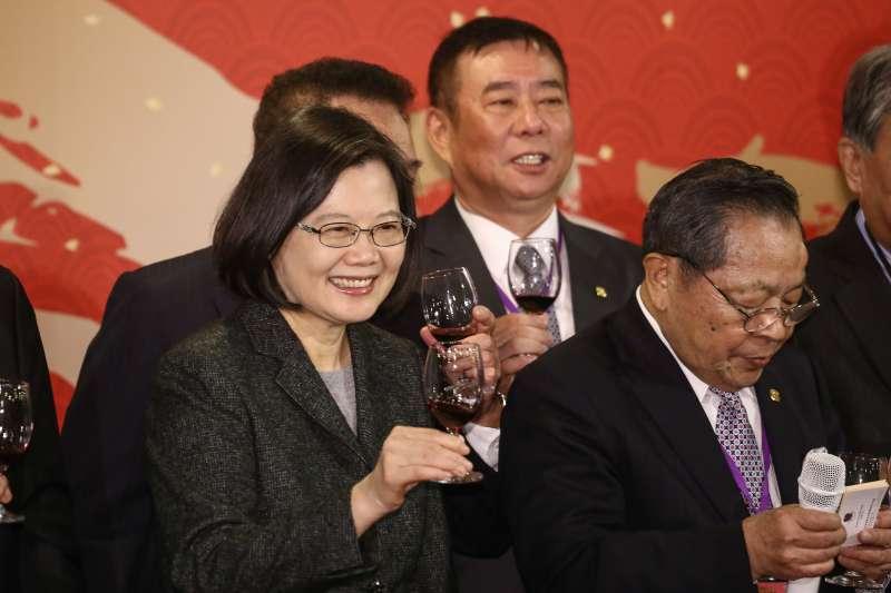20190110-總統蔡英文出席小英之友會歲末餐會。(陳品佑攝)