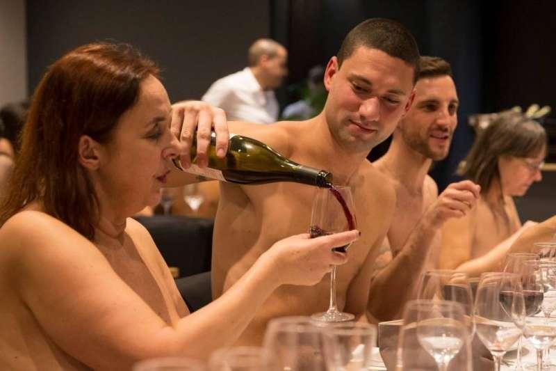 法國裸體餐廳,為何一年就熄燈?(圖/取自O'naturel@facebook)